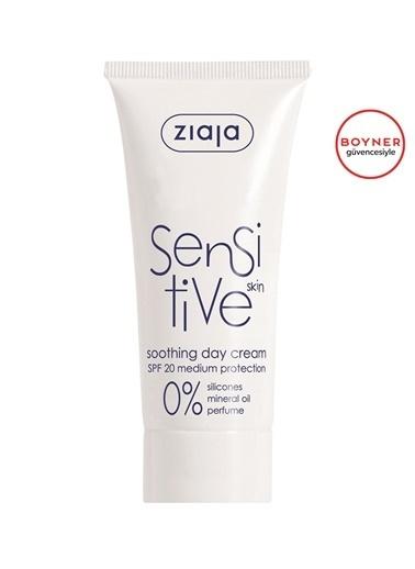 Ziaja Ziaja Sensitive Skin Hassas Ciltler İÇin Yatıştırıcı Gündüz Kremi SPF20 50 ml Renksiz